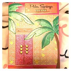 "Too faced ""palm spring dreams"" eyeshadow palette!"